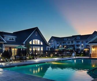 Pool, Avalon Framingham