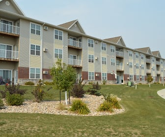 Hunters Creek Apartments, Erik Ramstad Middle School, Minot, ND