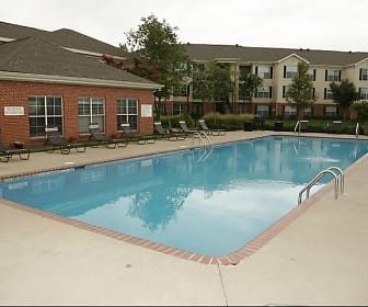 Pool, Windsor Lake Apartments