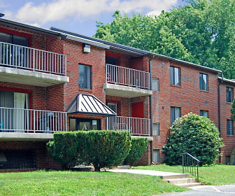 Bridgewater Apartments, Coebourn Elementary School, Brookhaven, PA