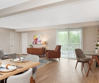 Living/Dining Room, Rolling Green-Milford