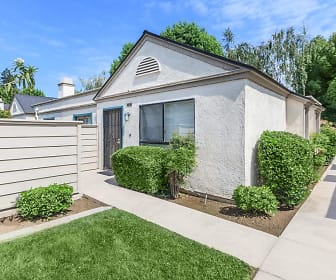 Laurelwood Gardens, Mettler, CA
