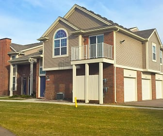 Ashford Apartments w/ Garages, Bruce Township, MI