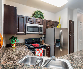 Kitchen, Villas at Parkside