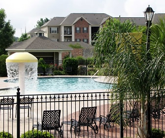 Pool, Lafayette Gardens Luxury Apartments