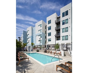 Pool, The Eastway Apartments