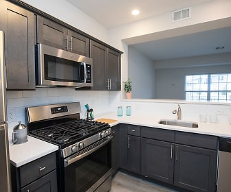 Kitchen, The Commons Upper Saddle River