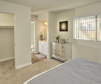 Large Bedrooms, Creekside Gardens Apartments