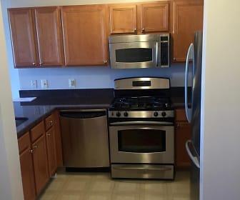 Kitchen, 7111 Woodmont Ave