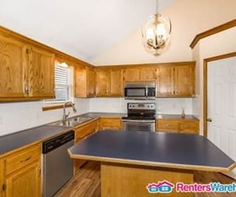 419 Wildflower Ln, Excelsior Springs, MO
