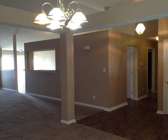 8672 Gingerwood Court, Middletown, OH