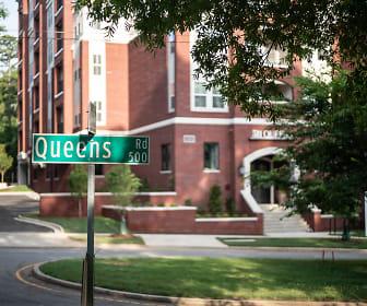 Community Signage, 511 Queens