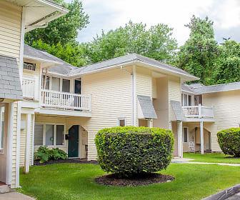 Woodbury Knoll Apartments, Middlebury, CT