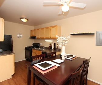 Dining Room, RiverStone Apartments