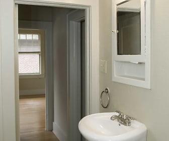 Bathroom, The Highlands
