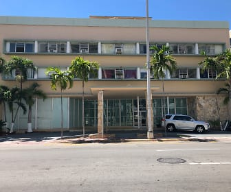 Building, 2618 COLLINS AVENUE