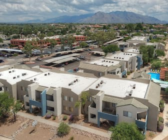 Domain 3201 Apartments, Flowing Wells High School, Tucson, AZ