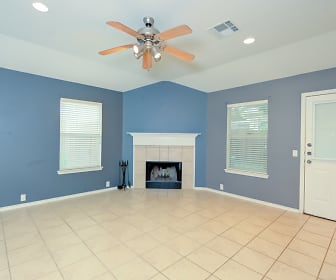 Living Room, 5208 Columbia Dr