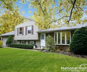 4N051 Kenwood Ave, Sycamore, IL