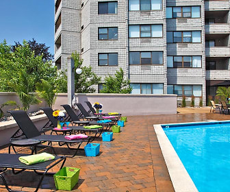 Pool, The Soundview at Savin Rock