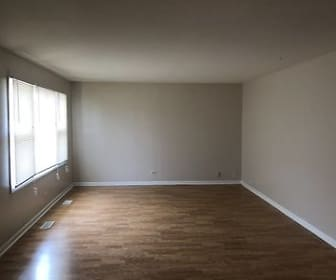 Living Room, 17630 Country Club Ln