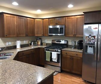 Kitchen, 885 fieldstone trl