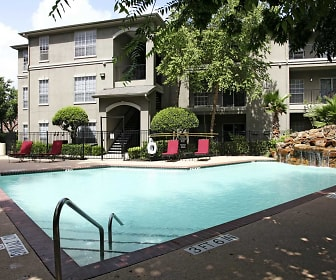 Pool, Midtown Arbor Place