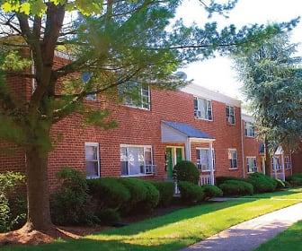 Woodbridge Apartments, Piscatawaytown, Sayreville, NJ