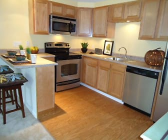 Kitchen, Fox Brook Townhomes