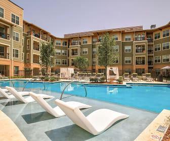 Pool, Arlington Commons