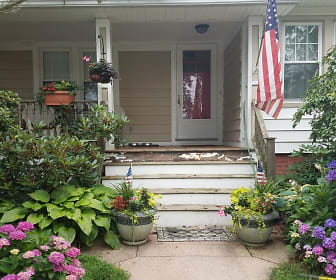 Front of House.jpg, 20 Forest Hills Rd