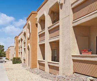 Country Crest Apartment Homes, New Mexico State University, NM