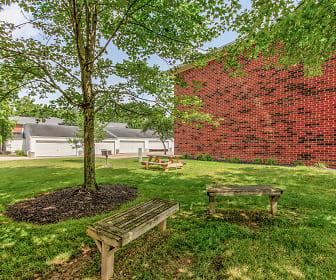 Recreation Area, Walnut Hill Apartments
