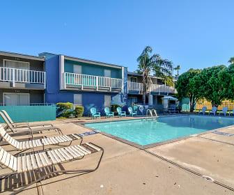 Pool, Bay Bluff Apartments