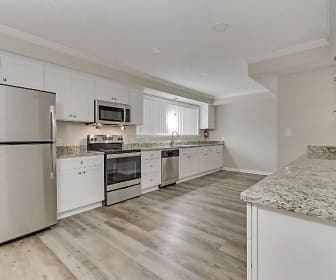 Room for Rent -  a minute walk to bus 119, Stone Mountain, GA