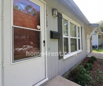 13129 Sycamore Ave, Grandview, MO