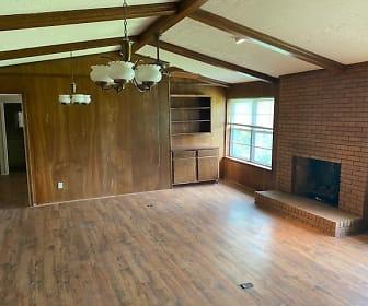 Living Room.jpg, 405 Crestview Drive