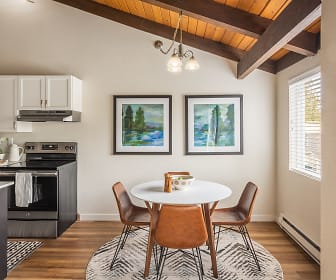 Dining Room, Timbers at Kenmore