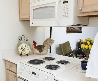 Kitchen, Peppertree Apartments