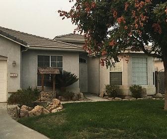 1044 W Orange St, Hanford, CA