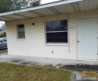 38947 10th Ave, Raymond B Stewart Middle School, Zephyrhills, FL