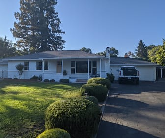 22 Forest Dr, Vacaville, CA