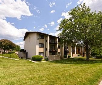 Building, Carriage Park Apartments