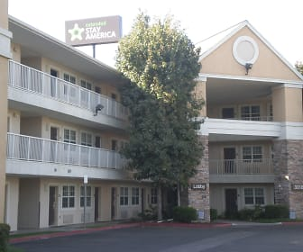 Building, Furnished Studio - Bakersfield - California Avenue