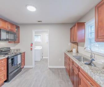 Room for Rent -  a 7 minute walk to bus 55, Lakewood, Atlanta, GA
