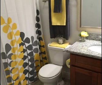 Bathroom, The Grove at Pinemont