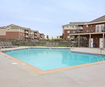 Pool, Springhill Ridge