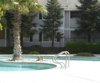 Willowbrook Apartments, Los Banos, CA