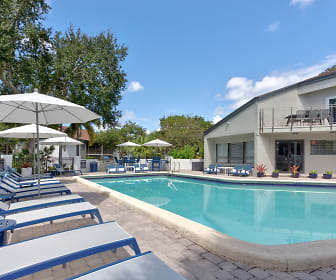 Pool, Siena Apartments