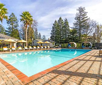 The Vineyard Luxury Apartments, Vineburg, CA
